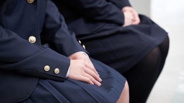 制服の学生
